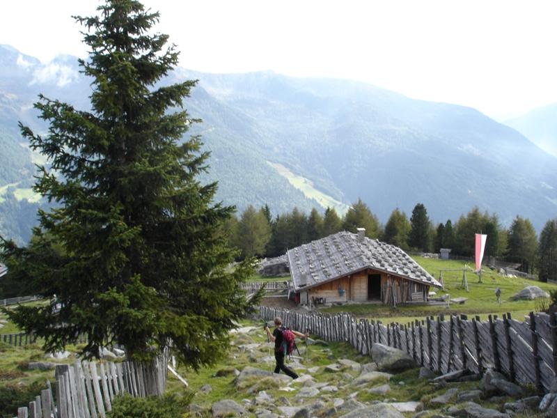 Hölzer Böden Hütte beim Abstieg