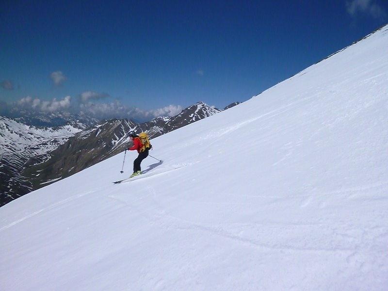 Firn am Gipfelhang